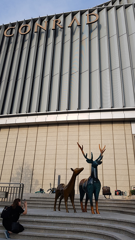 101 Dream of Deers, 1,800x2,200x3,000mm, copper, 2019 (Conrad Hotel-Shenyang, China).jpg