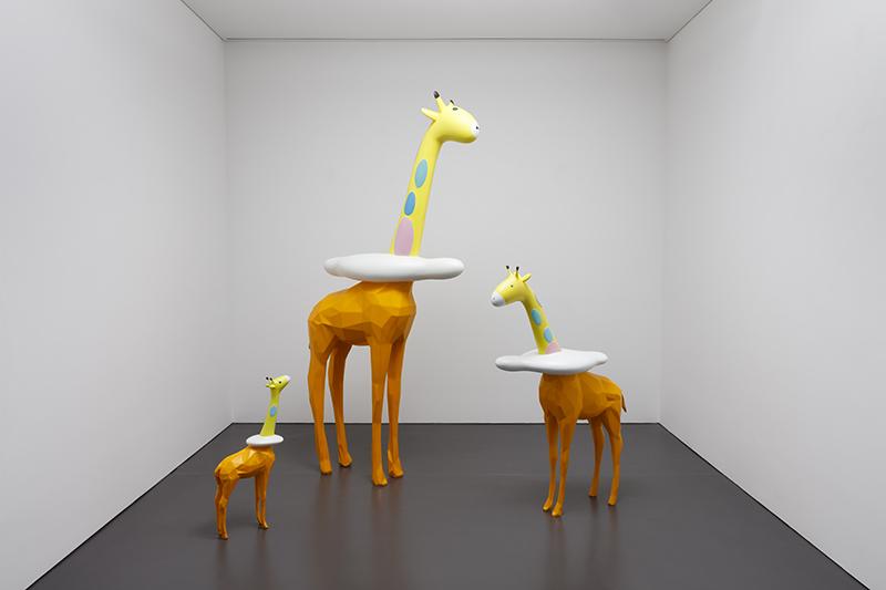 Cloud Giraffe Family - Ruru, Rudi, Rio, (Ruru 115x33x200cm, stainless steel, Rudi 32x80x120cm, plastic, Rio 34x12x69cm, plastic), 2019.jpg