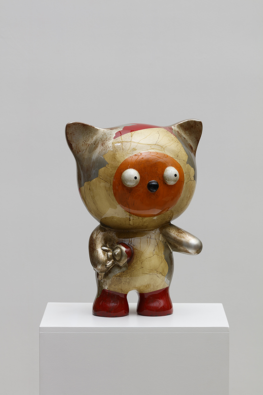 Taehee also wants her cute pet-ST series, 34x25x46cm, car paint on bronze, 2018.jpg