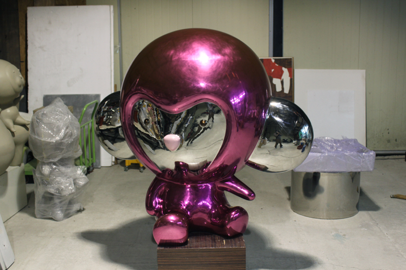 Inflated Pink  Kiki, 140x100x125cm, candy paint on stainless steel, 2011.JPG