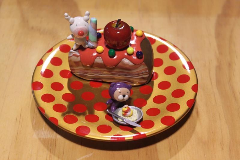 Yummy Cake 11-2, 20x20x18cm, polymer clay, 2011.JPG