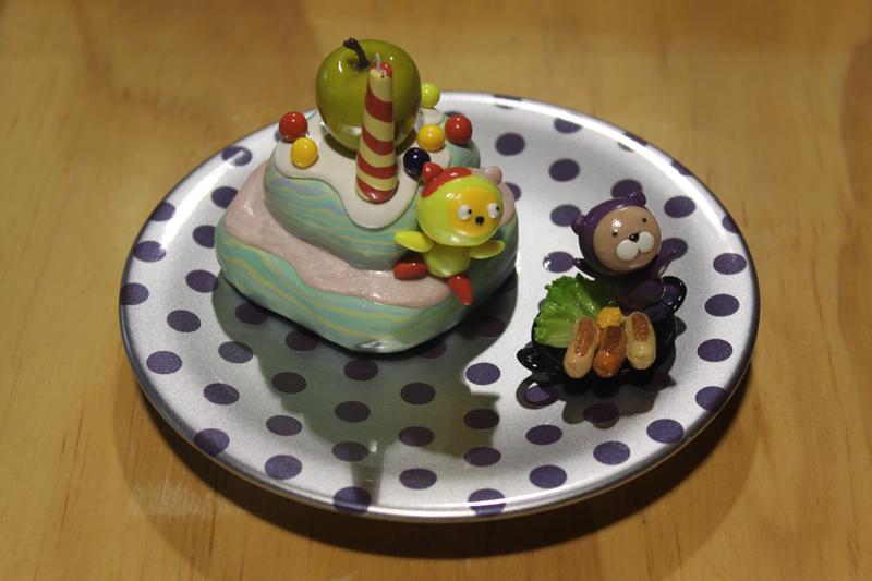 Yummy Cake 11-5, 20x20x18cm, polymer clay, 2011.JPG