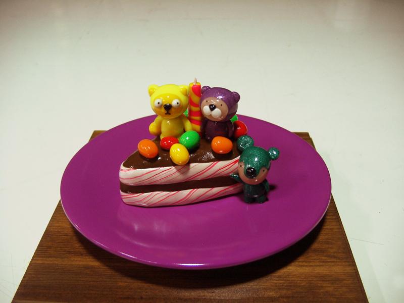 Yummy Cake 07-11, 20x20x18cm, polymer clay, 2007.JPG