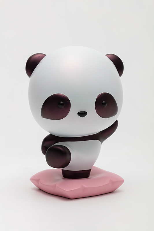 Black Pandana, with you, I can always move forward without fear, 18x16.5x26.5cm, urethane paint on plastic, 2021.jpg
