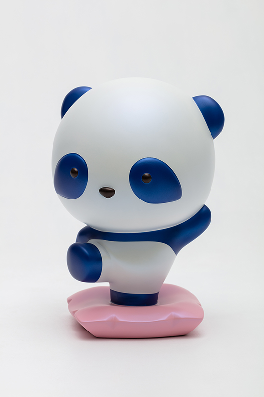 Blue Pandana, with you, I can always move forward without fear, 18x16.5x26.5cm, urethane paint on plastic, 2021.jpg