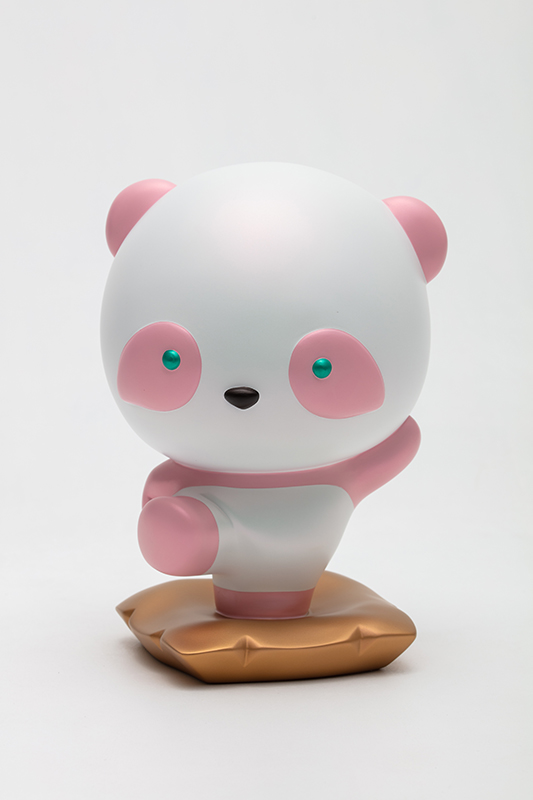 Pink Pandana, with you, I can always move forward without fear, 18x16.5x26.5cm, urethane paint on plastic, 2021.jpg