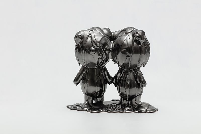 Like A Flowing River-Clo Twins, 33x21x29cm, urethane paint on plastic, 2021.jpg